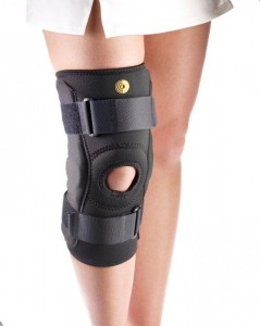 CoolTex Hinged Knee Sleeve w/Lo Pro Hinge