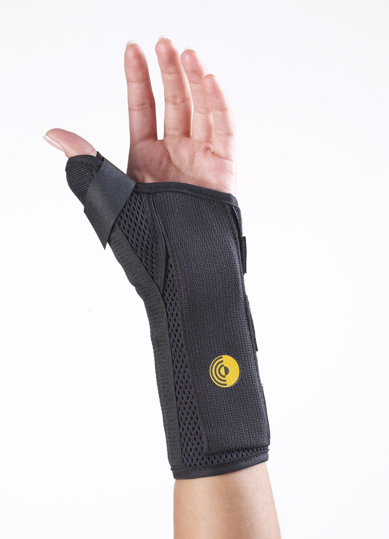 Ultra Fit Cool Wrist Splint w/Abducted Thumb